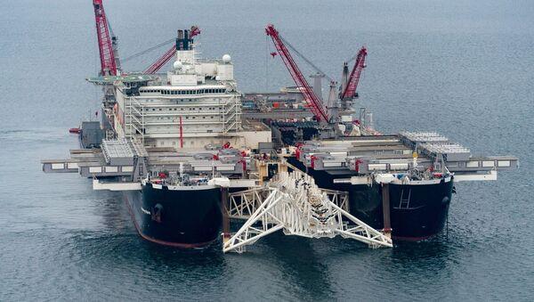 Loď Pioneering Spirit. Stavba Nord Stream 2 - Sputnik Česká republika