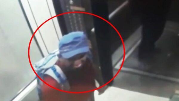 Šokující video: Záběry ukazují, jak na Srí Lance podezřelí sebevražední atentátníci vešli do hotelu 1 - Sputnik Česká republika