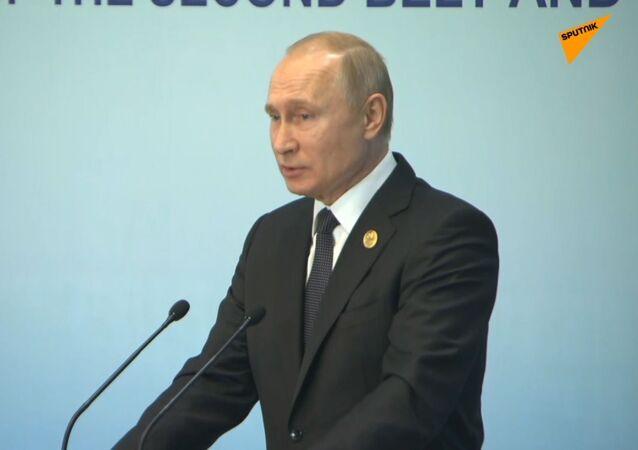 """""""Nejen pro obyvatele DLR a LLR"""": Putin o možnosti získat ruské pasy pro všechny občany Ukrajiny zjednodušeným způsobem"""