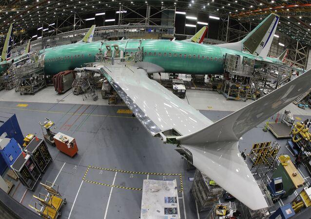 Boeing 737 MAX 8 v továrně Boeing 737 v americkém Rentonu