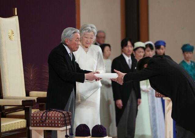 Japonský císař Akihito a císařovna Mičiko během rituálu Taiirei-Seiden-no-gi, císařův abdikační ceremoniál, v císařském paláci v Tokiu, Japonsko, 30. dubna 2019.