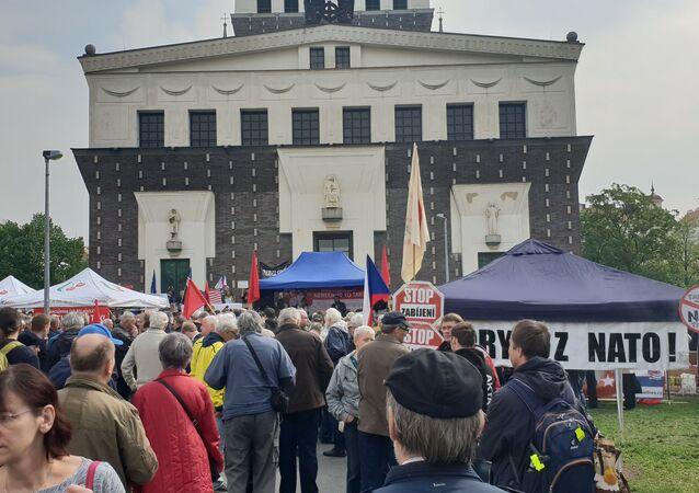 Komunistický mítink v Praze