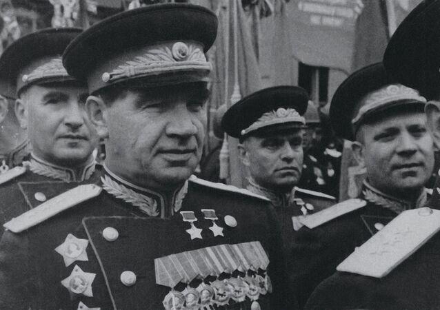 Přinesli svobodu, život a mír. Podívejte se na unikátní fotografie legendárních sovětských vojevůdců