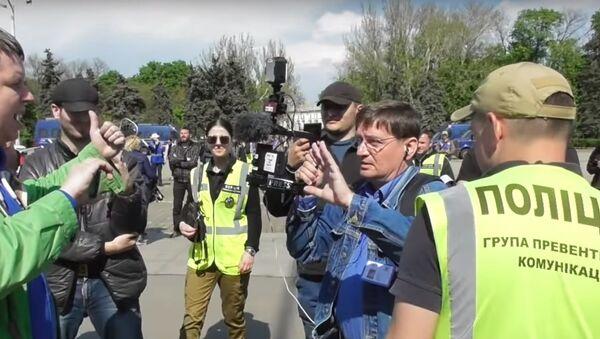 Novináři z ČR bránili v natáčení pietní akce v Oděse - Sputnik Česká republika