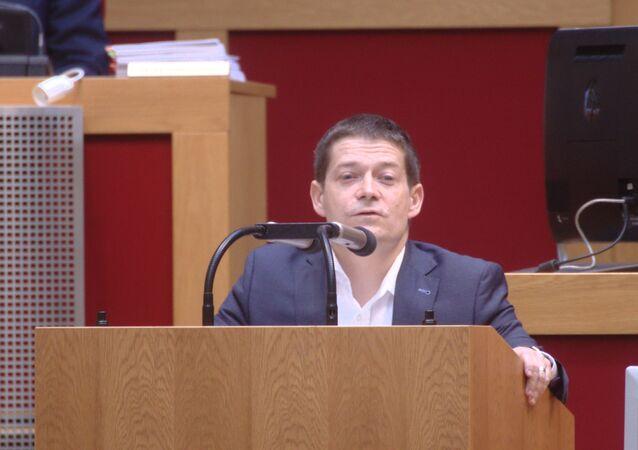Poslanec Nacher o dvojím metru kavárny: Kdo nekritizuje Zemana, dostane po čuni bez ohledu na to, co předtím dělal