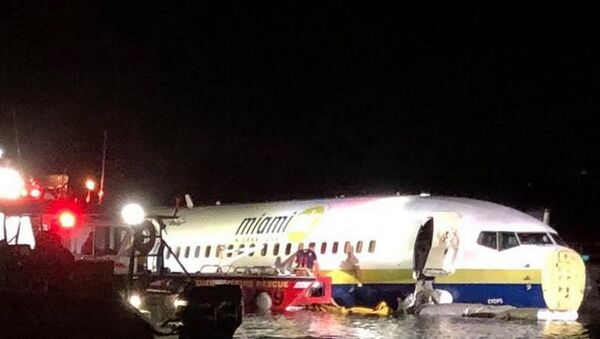 Nehoda dopravního letadla Boeing 737 na Floridě - Sputnik Česká republika