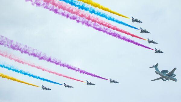 Naposledy se vojenská přehlídka v Pekingu konala v r. 2009 – na počest 60. výročí vzniku ČLR - Sputnik Česká republika