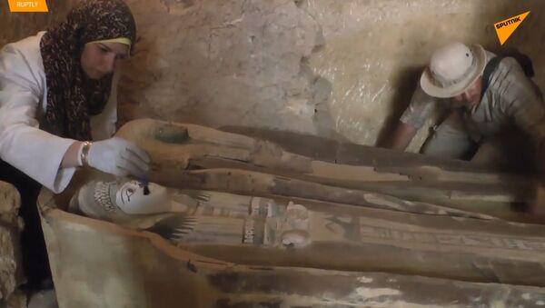V Egyptě archeologové odhalili 4500 let staré pohřebiště poblíž pyramid v Gíze - Sputnik Česká republika
