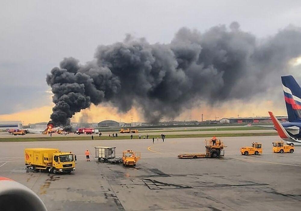 Letadlo se vrátilo během letu Moskva - Murmansk na letiště Šeremetěvo kvůli požáru na palubě