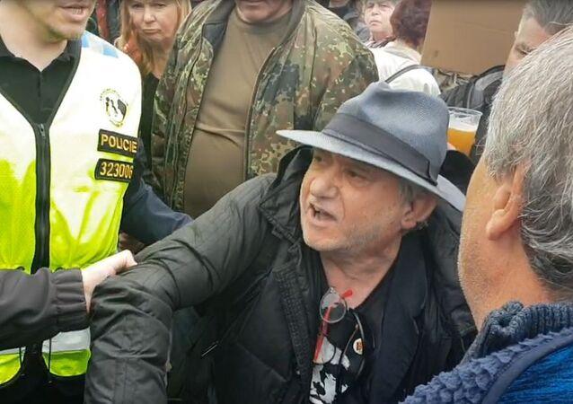 Zadržení Claudia B. pražskou policií