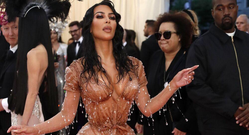Hvězda reality show Kim Kardashian a její manžel na Met Gala 2019 v New Yorku