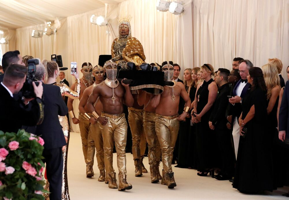Herec Billy Porter na Met Gala 2019 v New Yorku