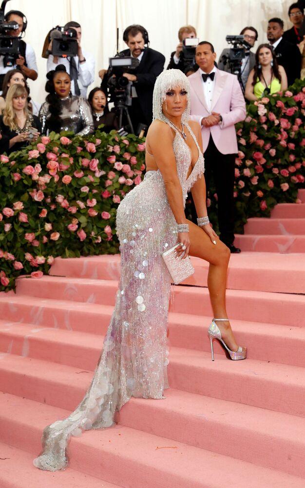 Zpěvačka a herečka Jennifer Lopez na Met Gala 2019 v New Yorku