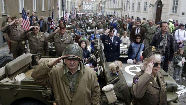 Akce Konvoj svobody na počest výročí osvobození západního Československa od nacistického Německa - Sputnik Česká republika