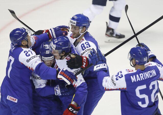 Slovenští hokejisté na zápase MS v hokeji.