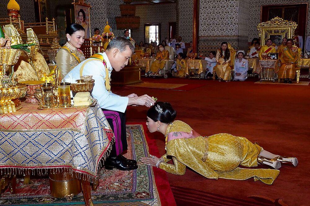 Oslavy Dne vítězství, nový thajský král a tragická havárie ruského letadla. Nejdůležitější události uplynulého týdne