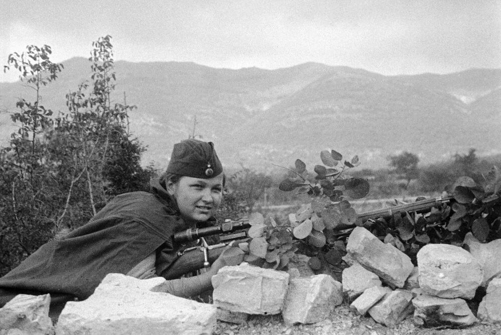Jelizaveta Mironovová - jedna z mála dívek, které bojovaly ve složení námořní pěchoty Černomořského loďstva