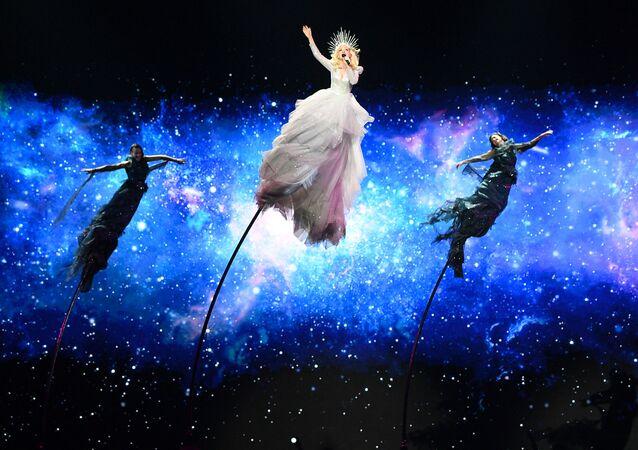 Kate Miller-Heidke - reprezentantka Austrálie s písní Zero Gravity během zkoušky první semifinále Eurovize 2019 v Tel Avivu