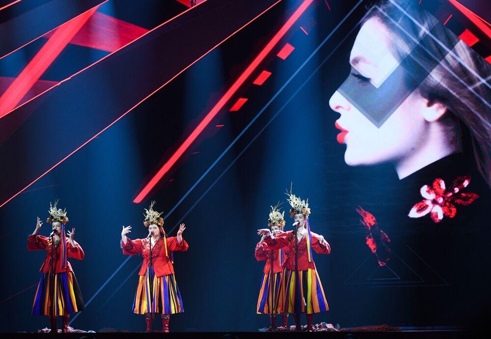 Skupina Tulia - Poláci s písní Pali się během zkoušky prvního semifinále Eurovize 2019 v Tel Avivu