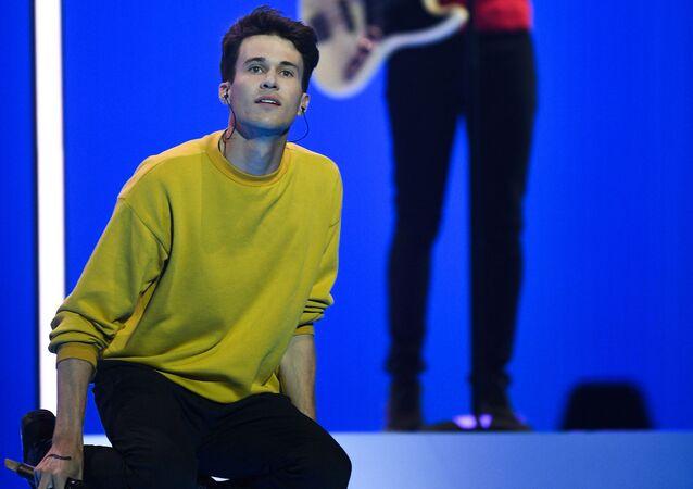 Reprezentanti ČR v Eurovizi 2019 se před semifinále vykoupali v léčivém blátě Mrtvého moře