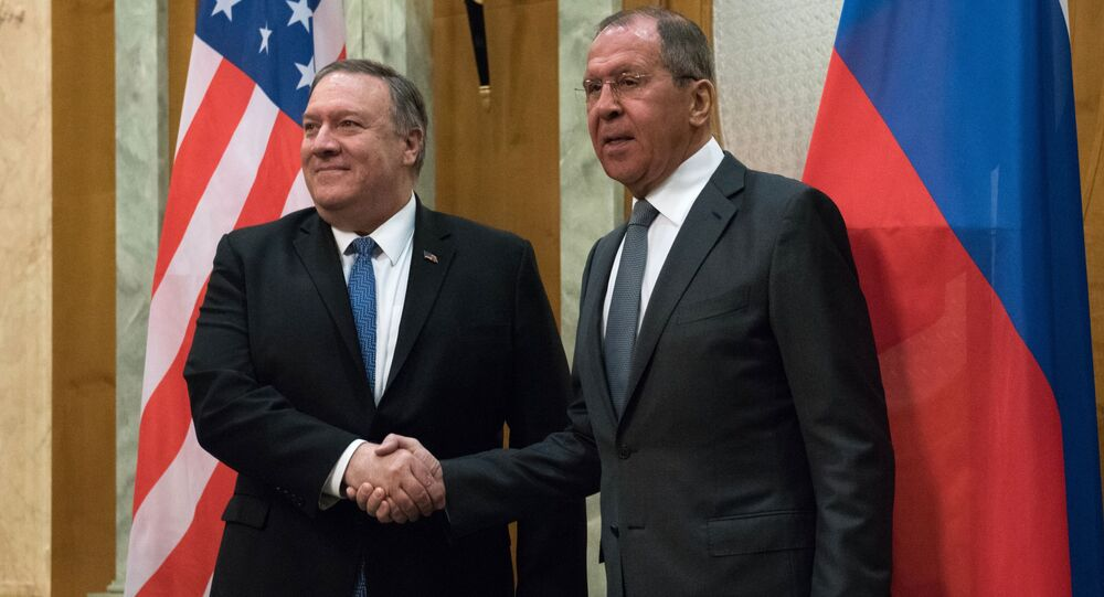 Americký ministr zahraničí Mike Pompeo a ruský ministr zahraničí Sergej Lavrov