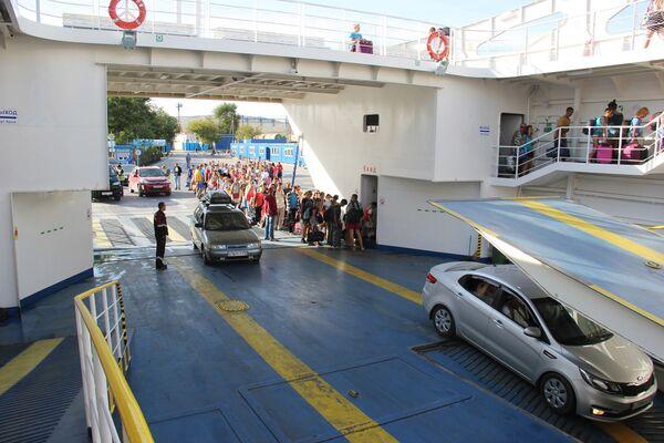 Trajekty přepravují jenom autobusy a auta - Sputnik Česká republika