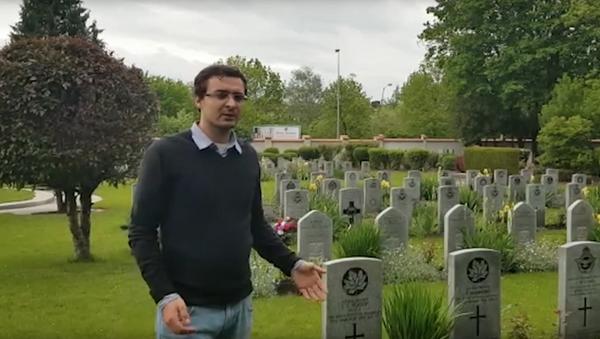 Aktivista ukázal rozdíl v hrobech sovětských vojáků a spojeneckých vojáků v Praze - Sputnik Česká republika