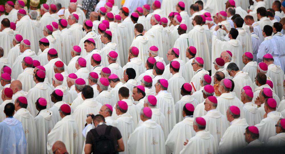 Katoličtí kněží v Krakově. Ilustrační foto