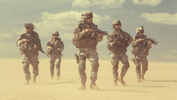 Američtí vojáci v poušti - Sputnik Česká republika