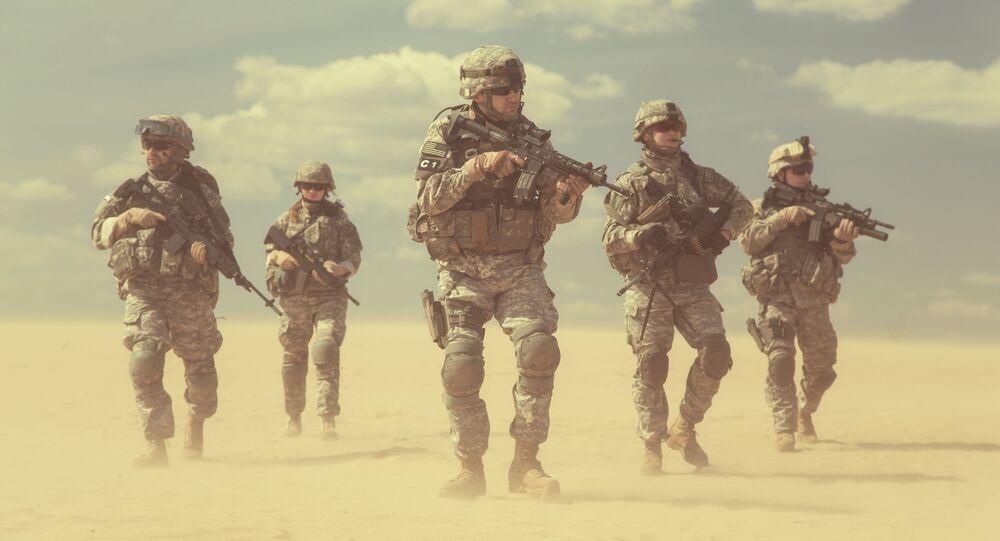 Američtí vojáci v poušti
