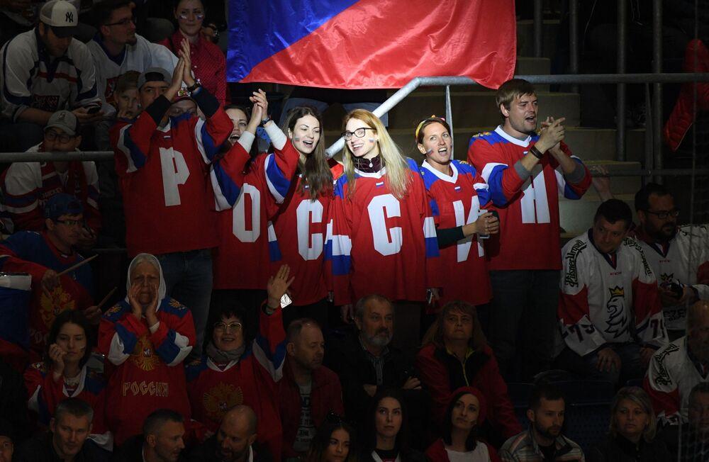 Fanoušci ruské sborné na MS 2019 v ledním hokeji.