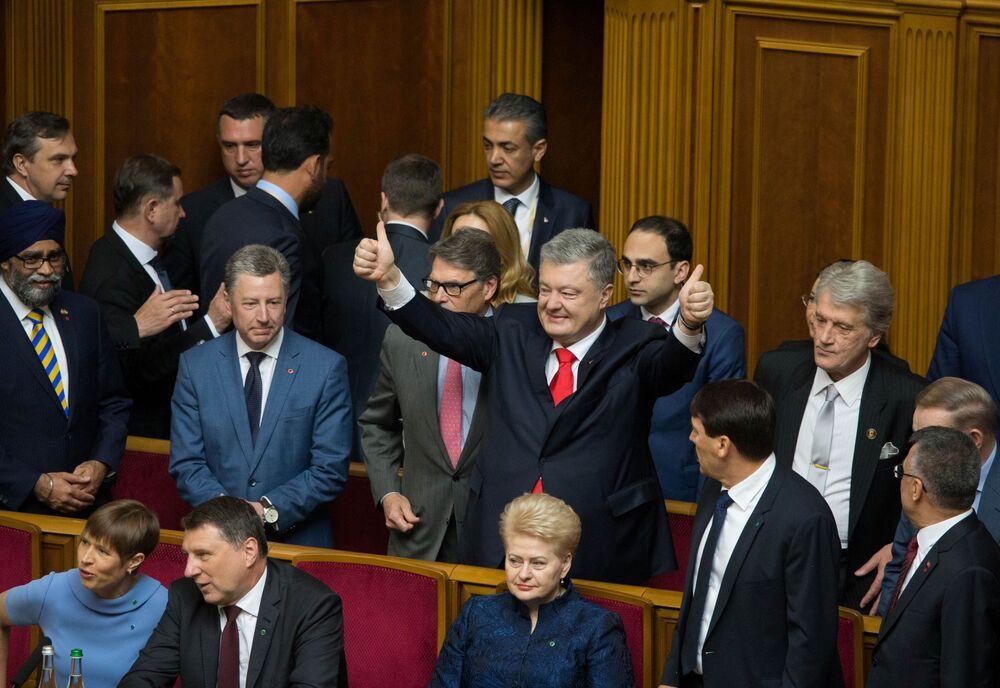Bývalý ukrajinský prezident Petro Porošenko na inauguraci svého nástupce Volodymyra Zelenského.
