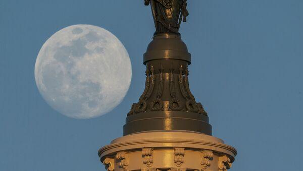 Socha svobody na střeše Kapitolu ve Washingtonu - Sputnik Česká republika