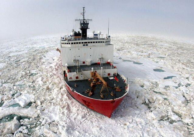 Ledoborec Healy americké pobřežní hlídky