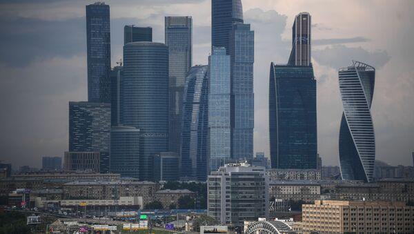 Pohled na mrakodrapy obchodní čtvrtě Moskva-City z vyhlídkové terasy stadionu Lužniki. - Sputnik Česká republika