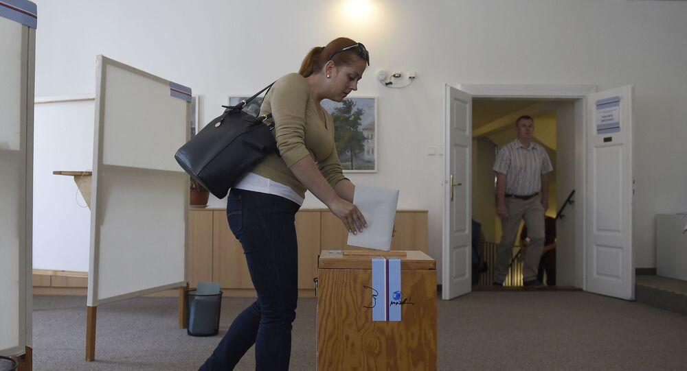 Ve volební místnosti v Praze