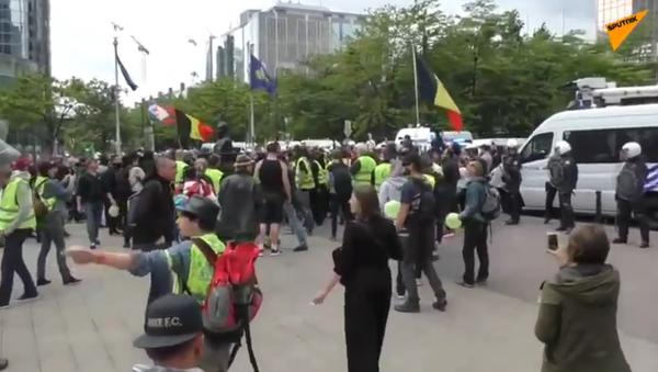 V Bruselu protestují žluté vesty - Sputnik Česká republika